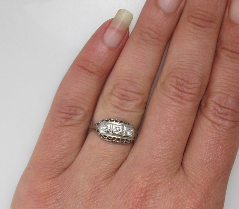 Vintage 14k white gold 3 stone diamond ring