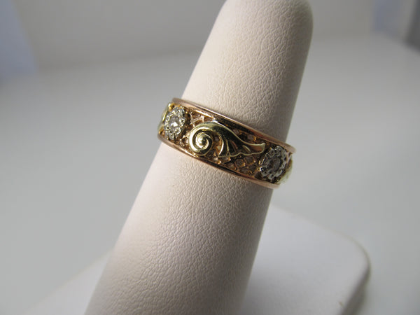 Vintage retro rose gold diamond band