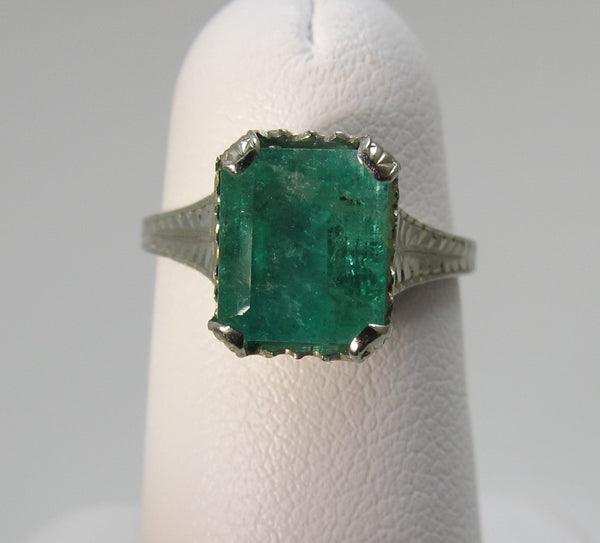 Vintage 18k white gold 2.50ct emerald ring