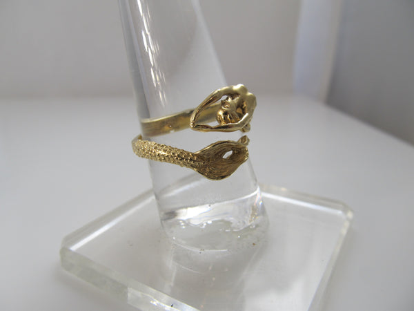 Detailed 14k yellow gold mermaid ring