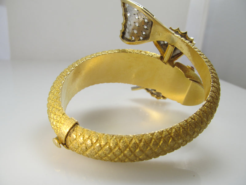 Amazing koi fish bracelet in 18k yellow gold