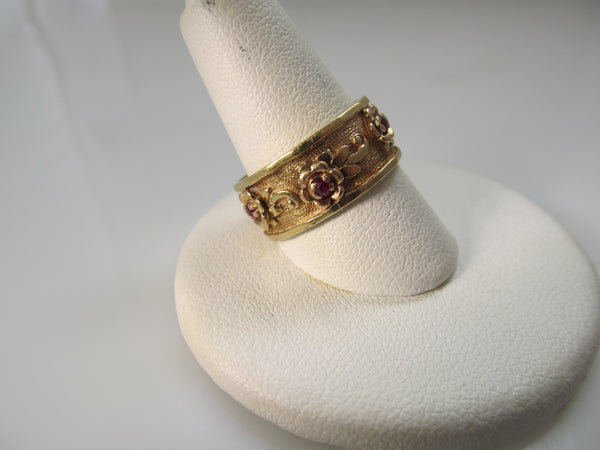 Vintage retro 14k rose gold ruby band