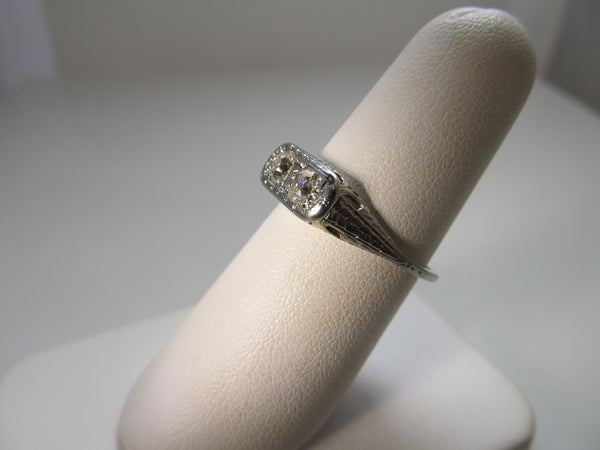 Vintage double diamond filigree ring
