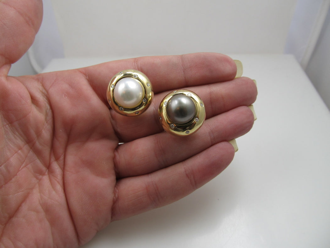 14k Yellow Gold Diamond Earrings With Black And White Pearls