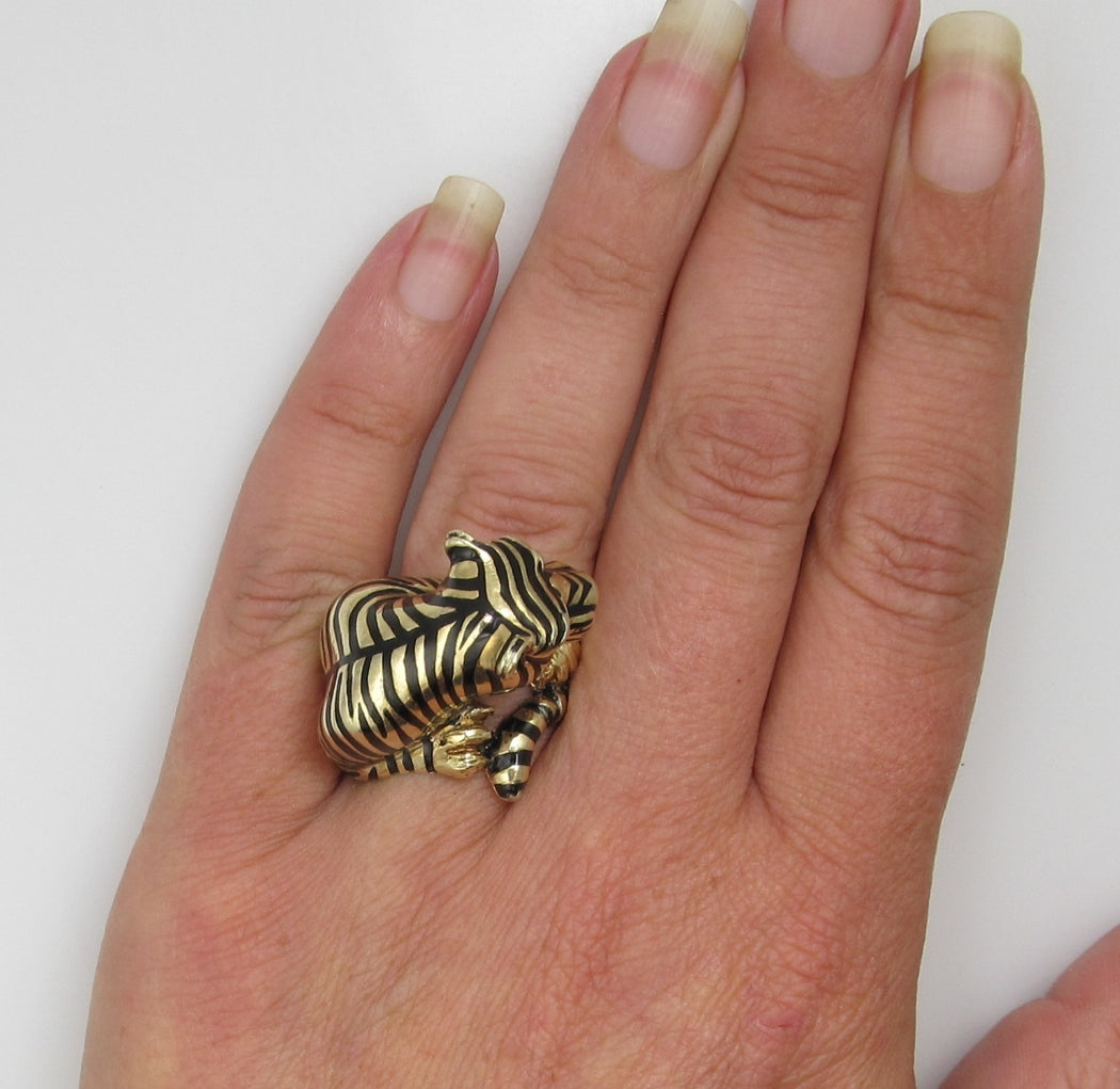 Vintage 14k Gold Enamel Tiger Ring With Diamond Eyes And A .20ct Diamond In It's Mouth