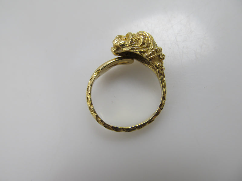 Vintage 18k yellow gold lion ring