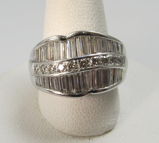 18k White Gold Band With 1.92cts In Round And Baguette Cut Diamonds, Vs1-2, F-g