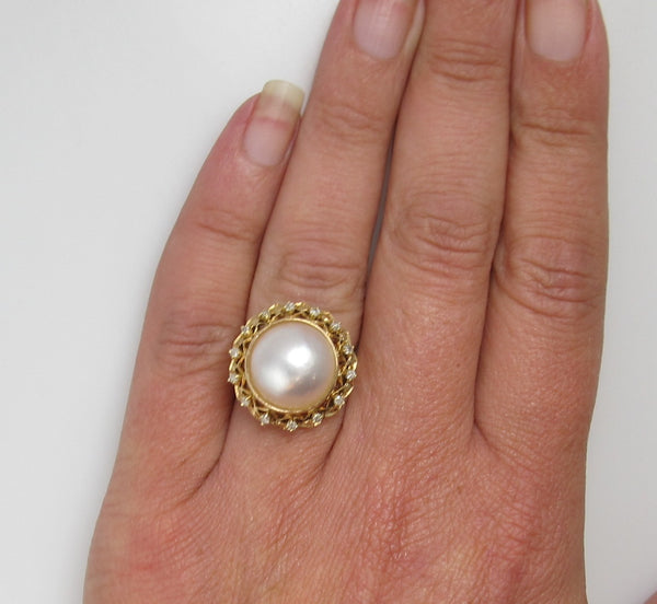 14k Yellow Gold Ring With A Mabe Pearl And Diamonds