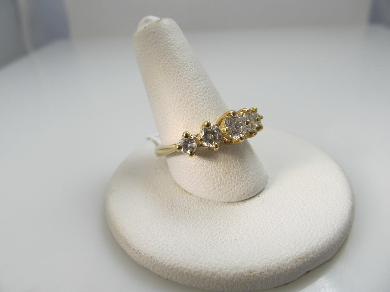 14k Yellow Gold 5 Stone Band With .90cts In Diamonds