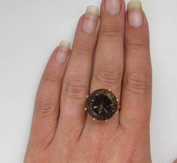Vintage 14k Yellow Gold Ring With A 17.00ct Smokey Quartz. Circa 1950.