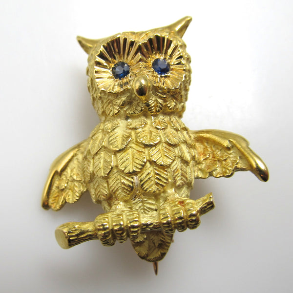 18k yellow gold owl pin with sapphire eyes, signed Soret