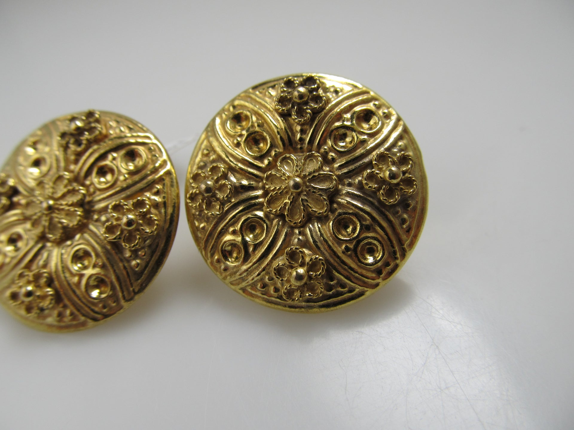 14k Yellow Gold Disc Repousse Flower Earrings