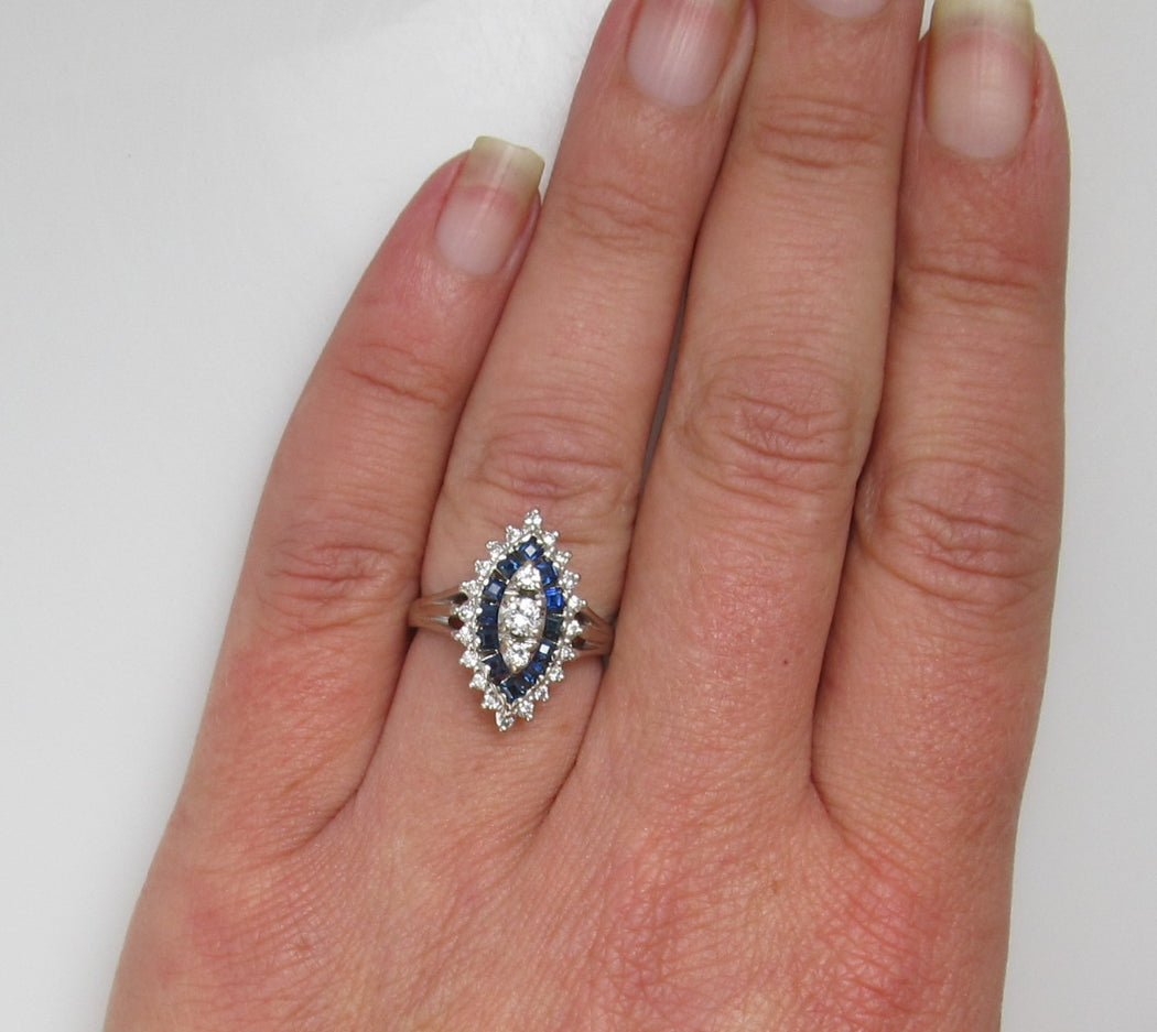 14k White Gold Ring With .30cts In Diamonds And Sapphires