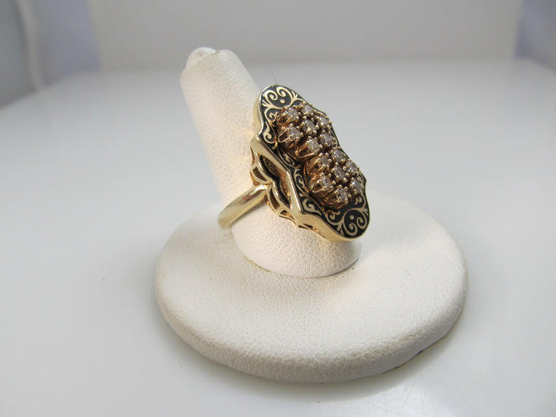 14k Yellow Gold Ring With .60cts In Diamonds And Black Enamel. Circa 1950