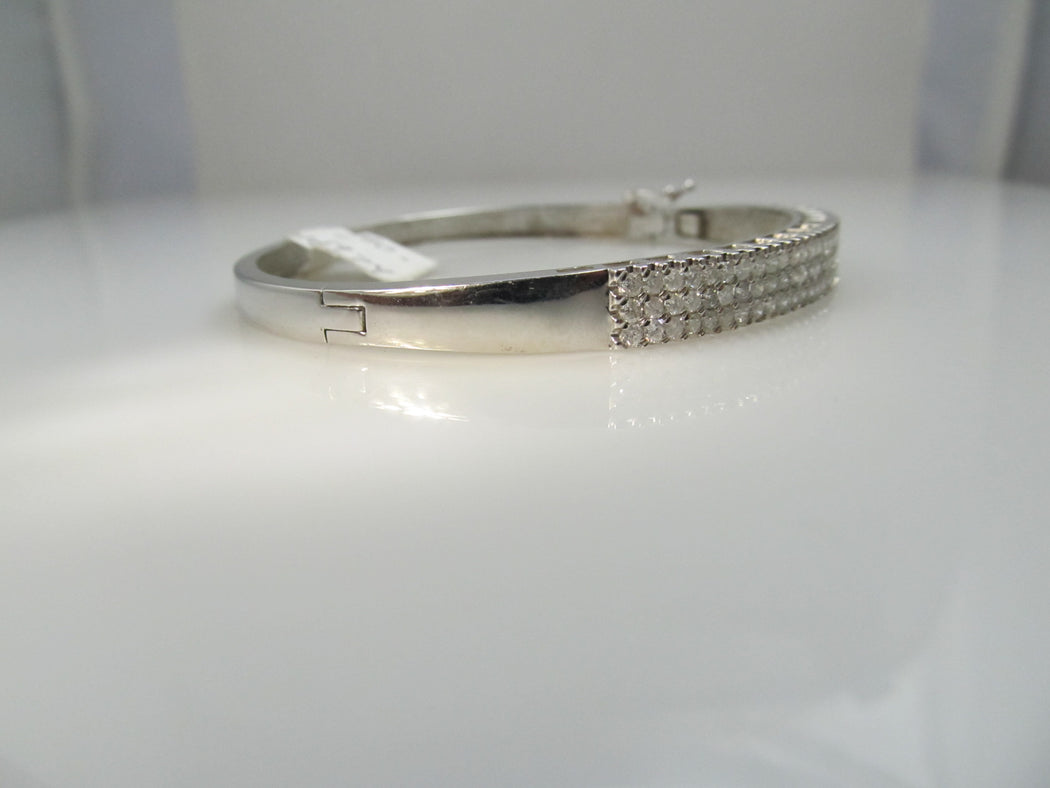14k white gold 1.80ct diamond bangle bracelet