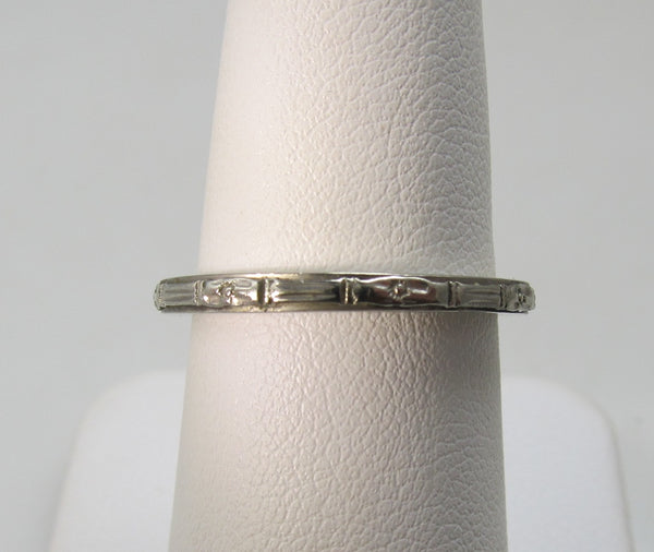 18k white gold wedding band dated 1928