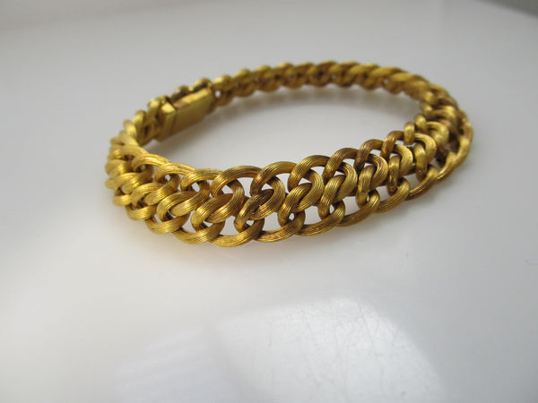 Yellow gold textured link bracelet