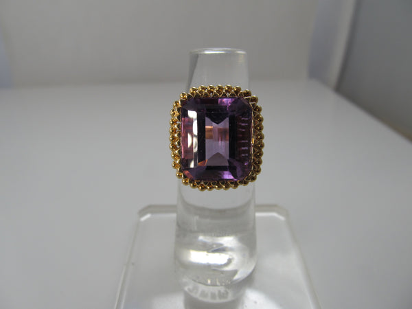 Pretty 10.00ct amethyst ring