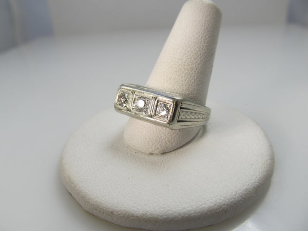Art Deco 3 stone diamond ring, 14k white gold