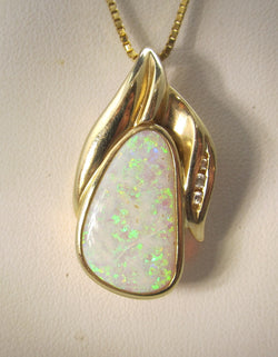 Estate 8.00ct opal diamond necklace, 14k yellow gold