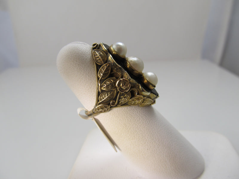 Art Nouveau pearl and onyx ring