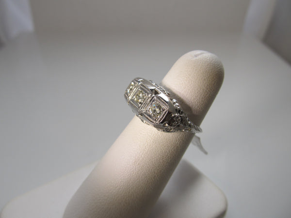 3 stone diamond filigree ring