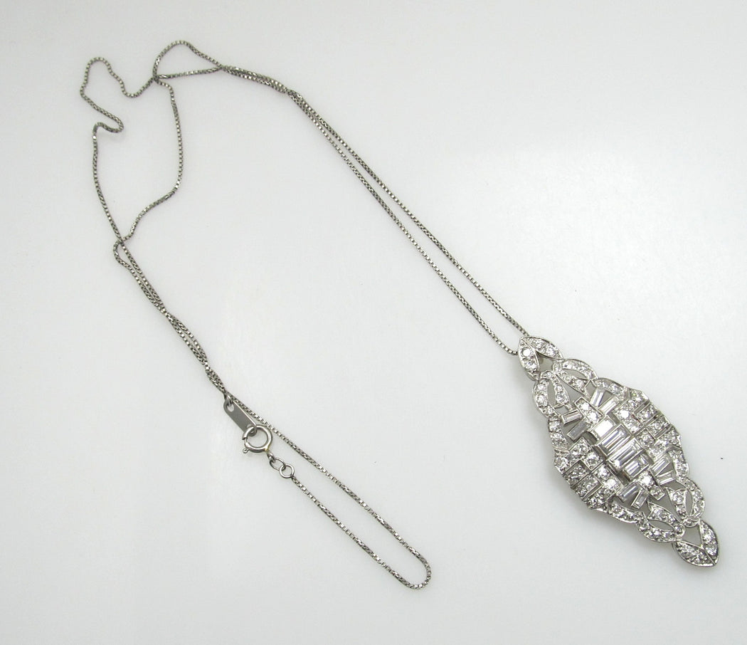 Beautiful platinum necklace with 2.00cts in diamonds, circa 1920
