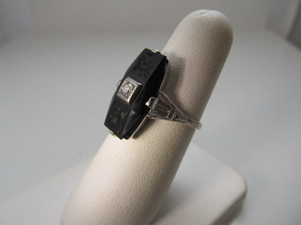 Art Deco carved onyx ring
