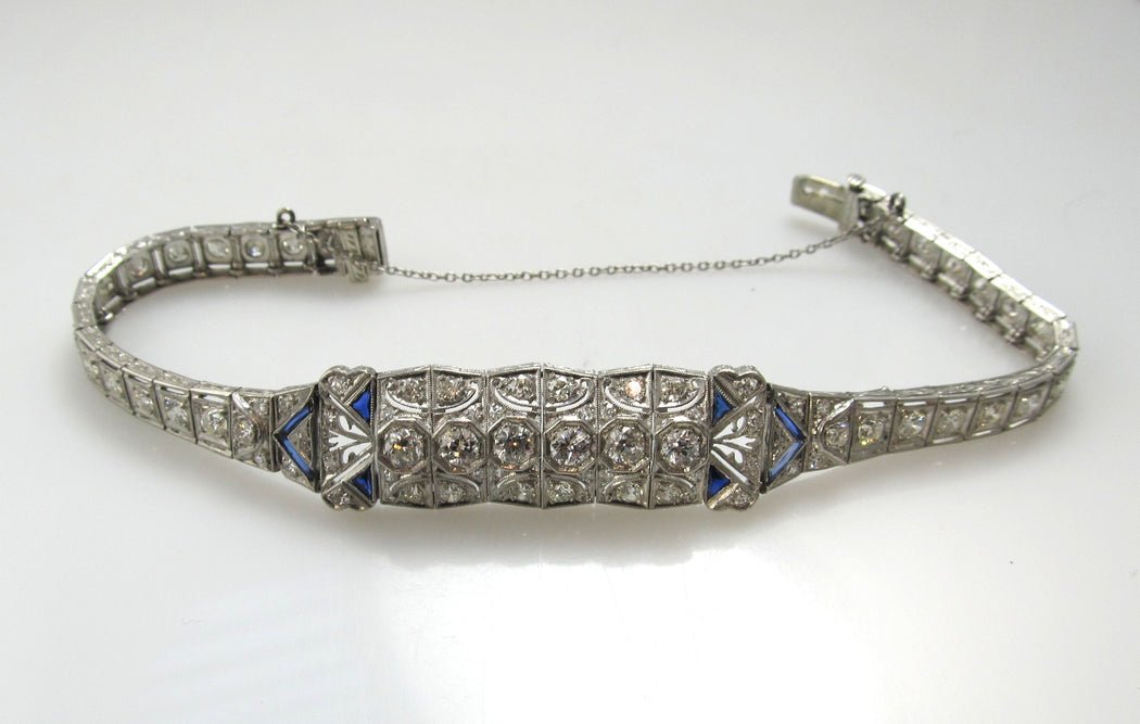 Antique platinum bracelet with sapphires and 4.40cts in diamonds, circa 1920