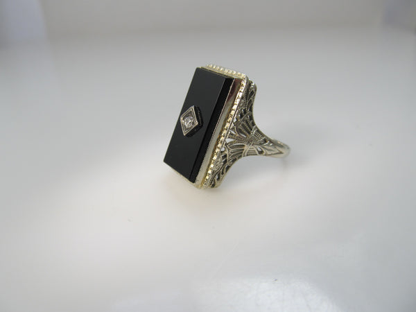 Art Deco onyx and diamond ring, 14k white gold filigree