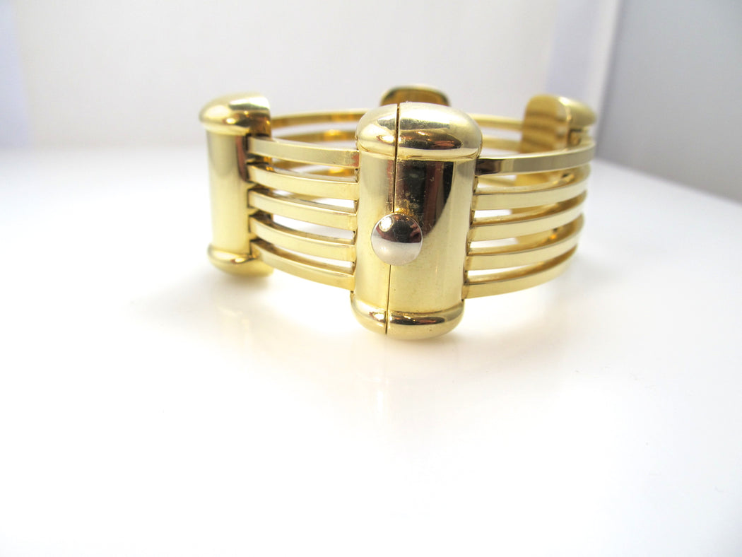 Amazing 18k yellow gold signed bangle bracelet