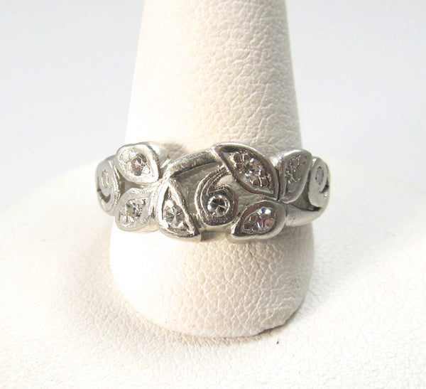 Vintage platinum diamond scroll leaf band