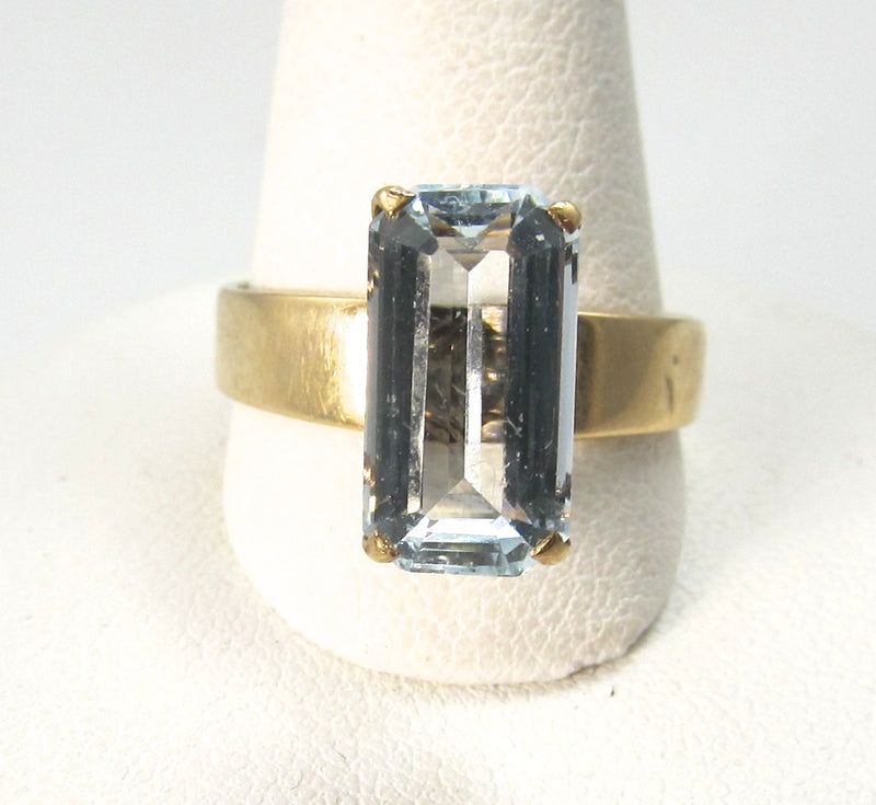 Vintage 14k gold ring with a 2.25ct aquamarine