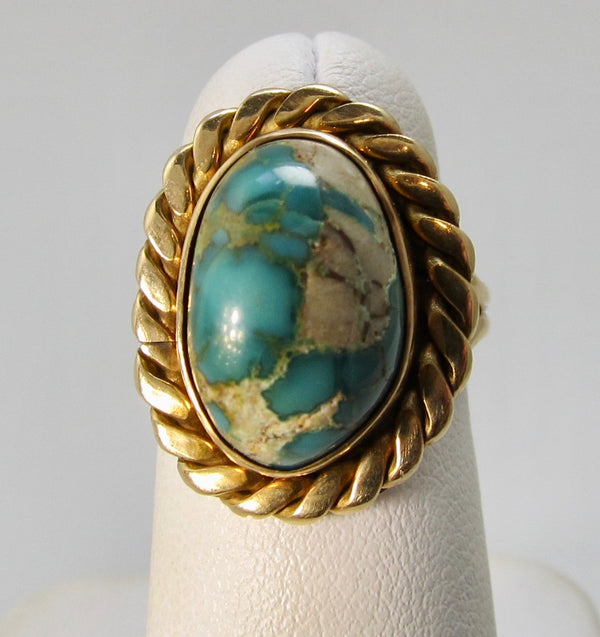 Handmade yellow gold turquoise ring