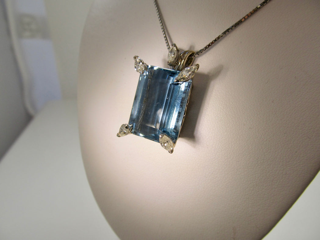 20.00ct aquamarine and diamond necklace