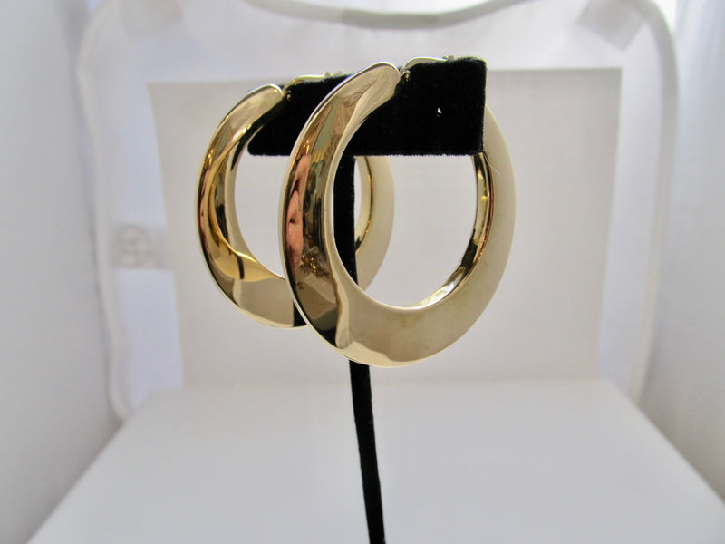 Big 18k yellow gold hoop earrings