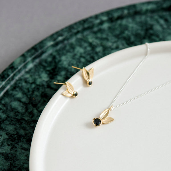 Two Leaf Yellow Gold Black Spinel Necklace