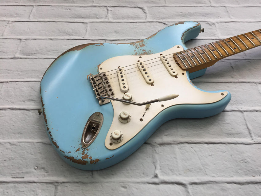 Fraser Guitars : VSS Daphne Blue Light Relic 50s : Retro Vintage Custom S-Style Aged Guitar