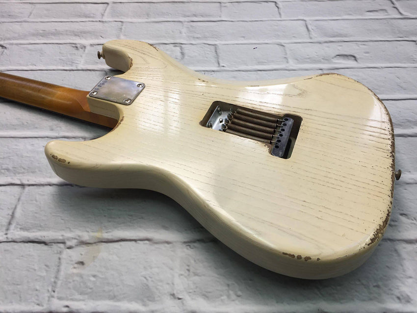 Fraser Guitars : VSS Translucent White Light Relic Ash 60s : Retro Vintage Aged Custom S-Style Guitar