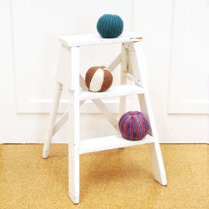 Knitted Ball Toy