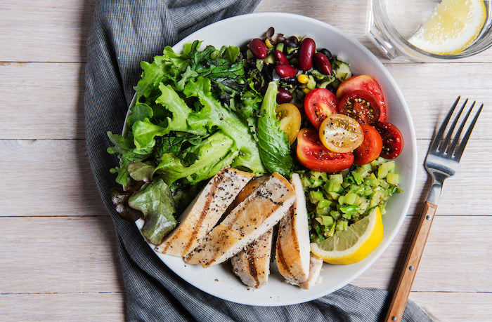 This Grilled Chicken Salad Will Keep You Full Until Dinner