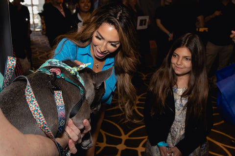 Farrah Abraham petting French Bulldog