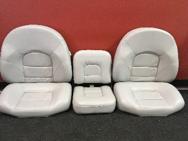 Seat set in grey