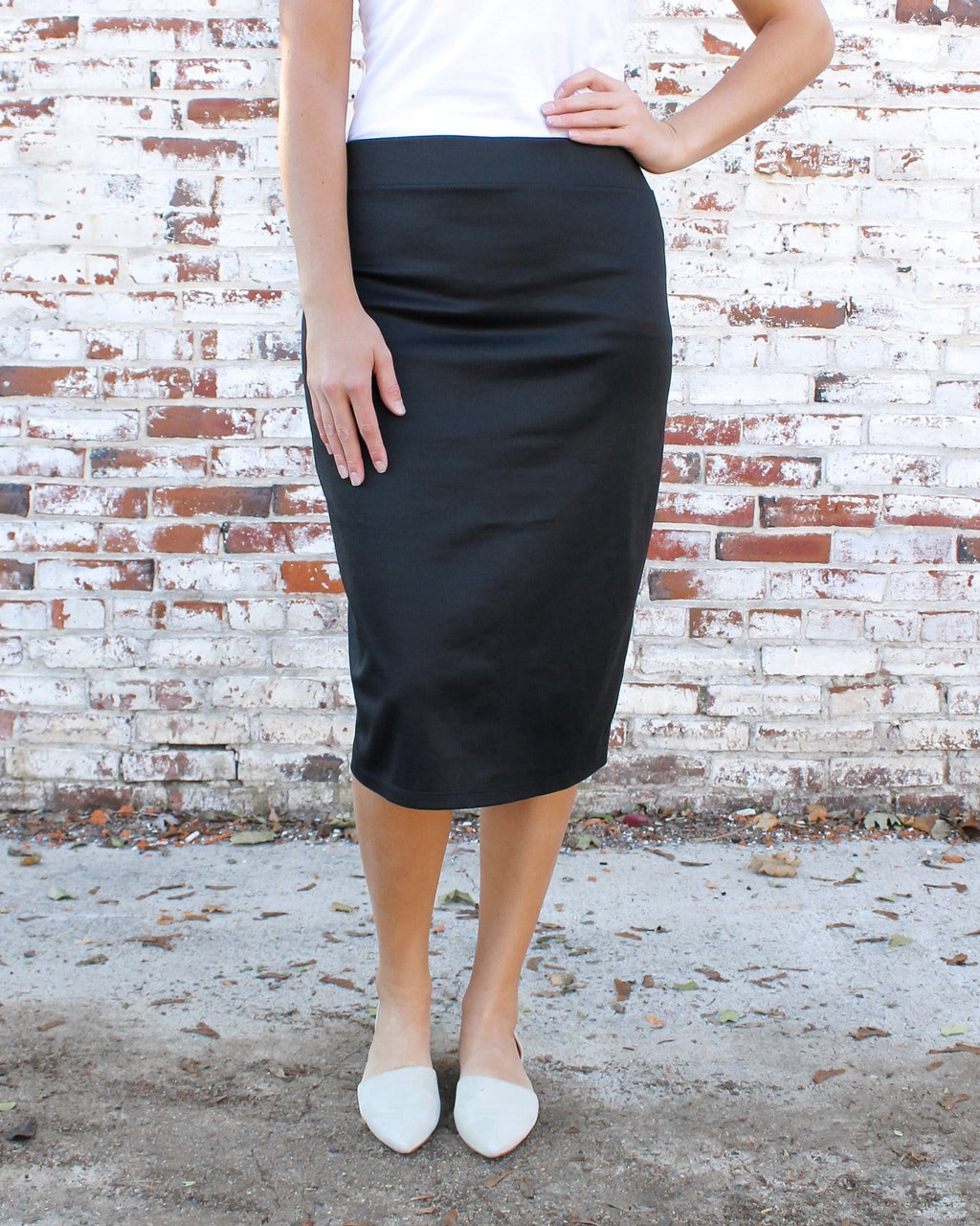 Black Ultra Comfort Ponte Knit Skirt (Petite length)