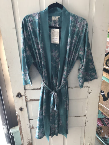 Alchemy Fashions Robe