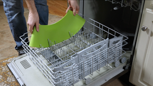 Frywall splatter guard is dishwasher safe and easy to clean.