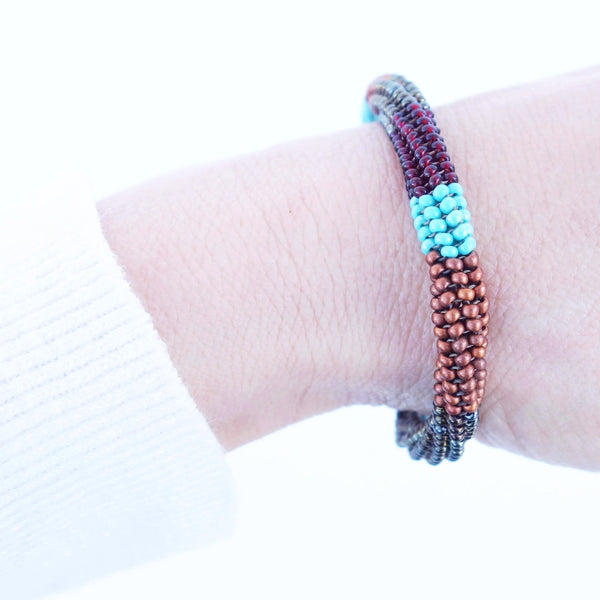 Altiplano Handmade Glass Crochet Beads Bangle