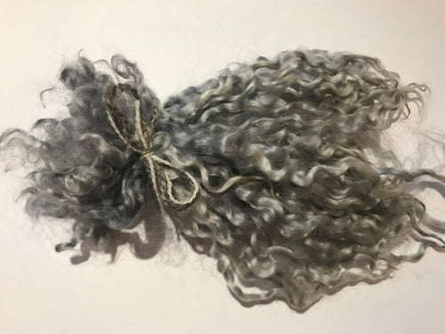 Silver grey - Pulled Wensleydale - Hand Dyed locks/fleece 15g (0.53oz)