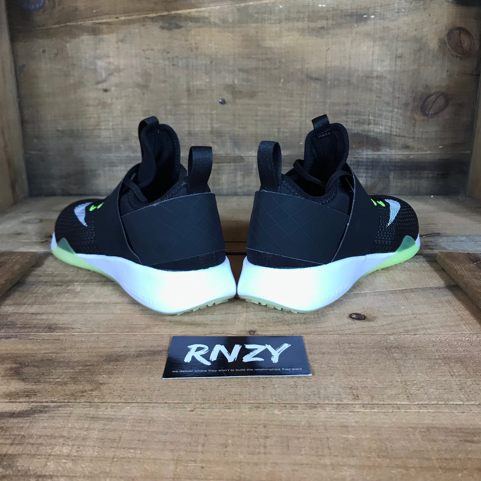 549f777d4a22 ... Nike Zoom Strong Women s 7