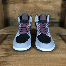 Jordan 1 Retro High Women's 8